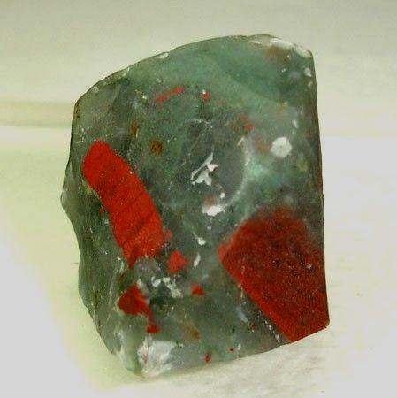 Християнський камінь геліотроп, його історія та властивості