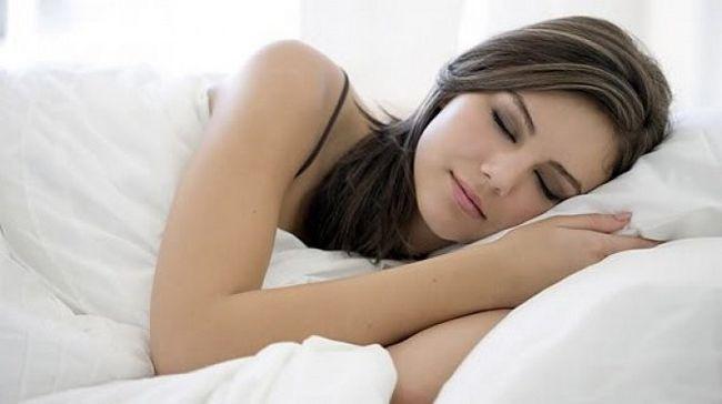 До чого сниться алкоголь: трактування снів про спиртні напої різними сонниками