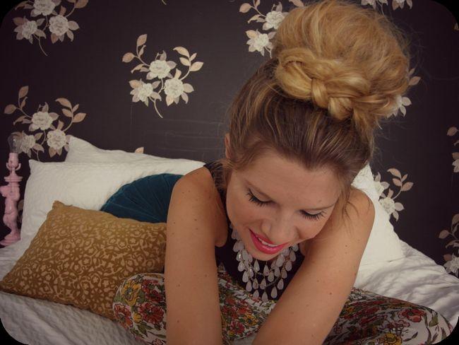 Як зробити гульку на голові: варіації популярної і простий у виконанні зачіски