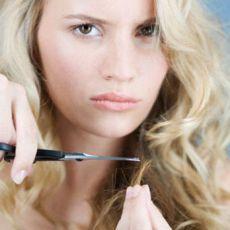 Як відновити волосся після освітлення агресивними засобами?