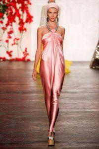 Довга сукня без рукавів з нової колекції Naeem Khan рожевого кольору, що облягає крою від Naeem Khan.