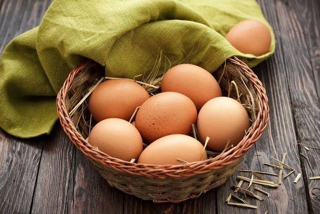 Користь сирих яєць для нашого організму, чому їх так люблять спортсмени