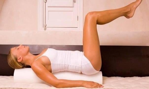 Розслаблююча гімнастика перед сном - фото