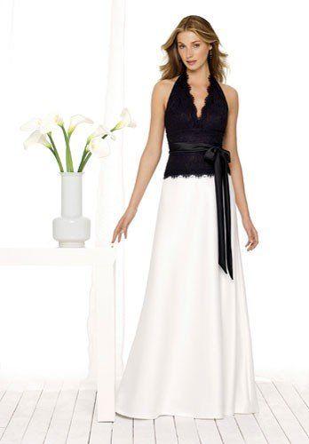 З чим носити довгу білу спідницю: поради, як створити стильний жіночний образ