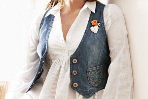 З чим носити жіночий джинсовий жилетку: сукні, спідниці, брюки - що краще підійде?