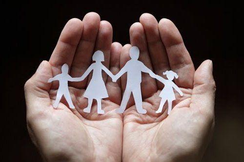 Сімейна психотерапія: до яких методів вдаються психологи, щоб допомогти зберегти сім`ю
