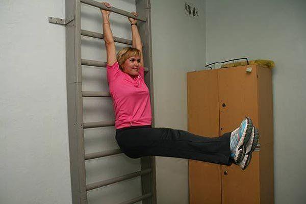 Вправи на шведській стінці для гнучкого хребта і хорошою розтяжки