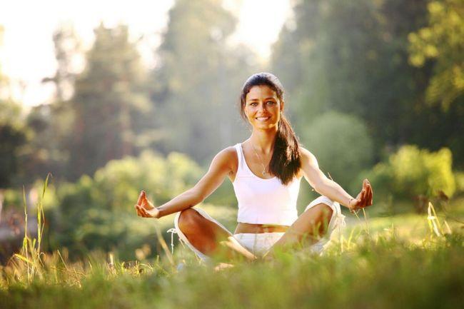Навіщо йога потрібна жінкам: три причини