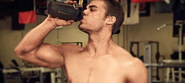 Навіщо потрібен протеїн спортсменам і тим, хто бажає схуднути або наростити м`язову масу